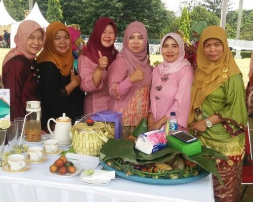 Helaran Seni dan Budaya serta Festival Makanan Tradisional
